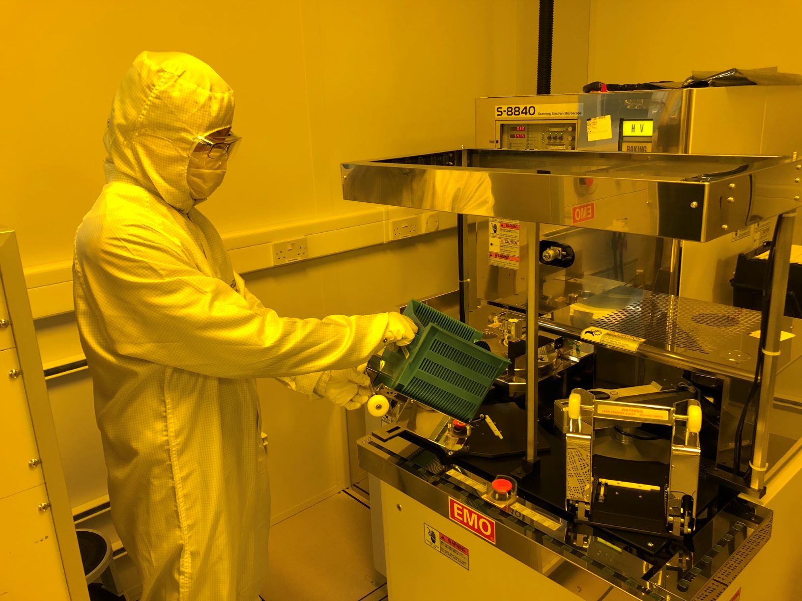 Hitachi S-8840 Critical Dimension Scanning Electron Microscope (CDSEM)